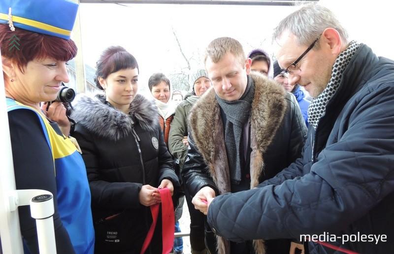 Директор ООО «Дема-плюс» Виктор Васькин (первый справа)