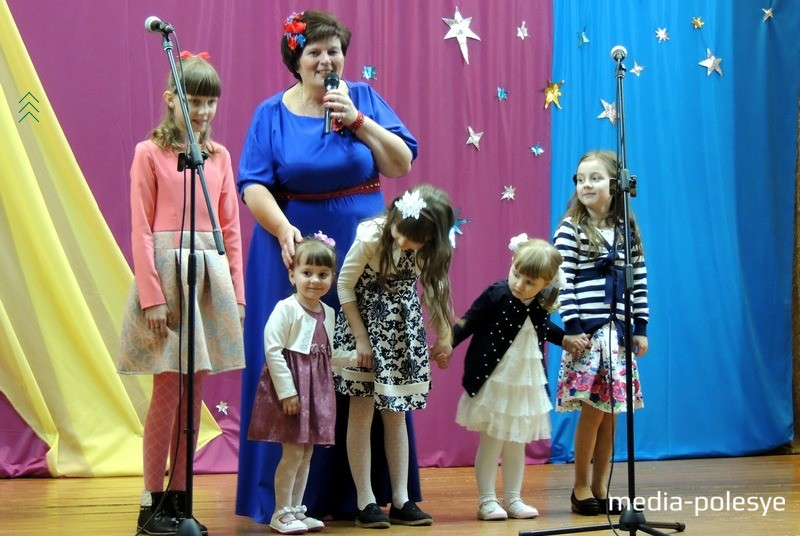 У Светланы Конончук пять внучек. Они прочитали бабушке стихи