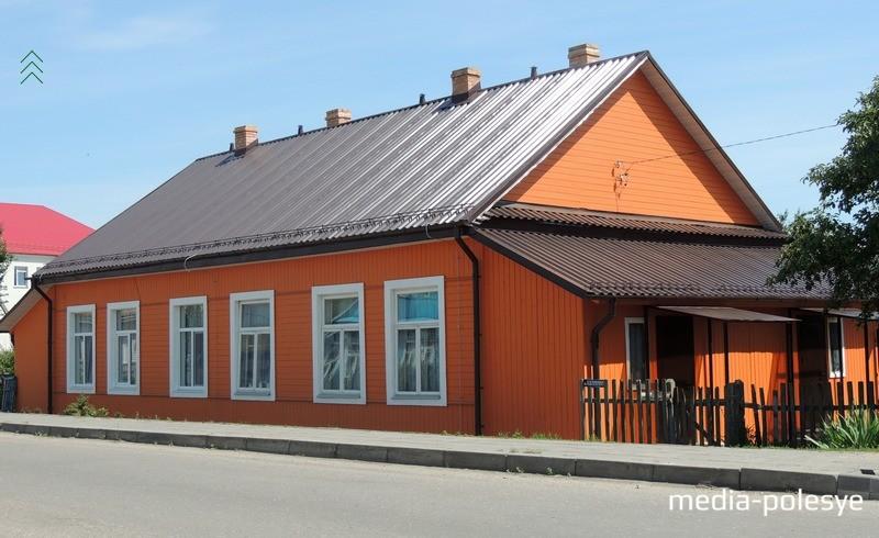 Вот таким получился дом после ремонта по улице Калинина (вблизи школы)