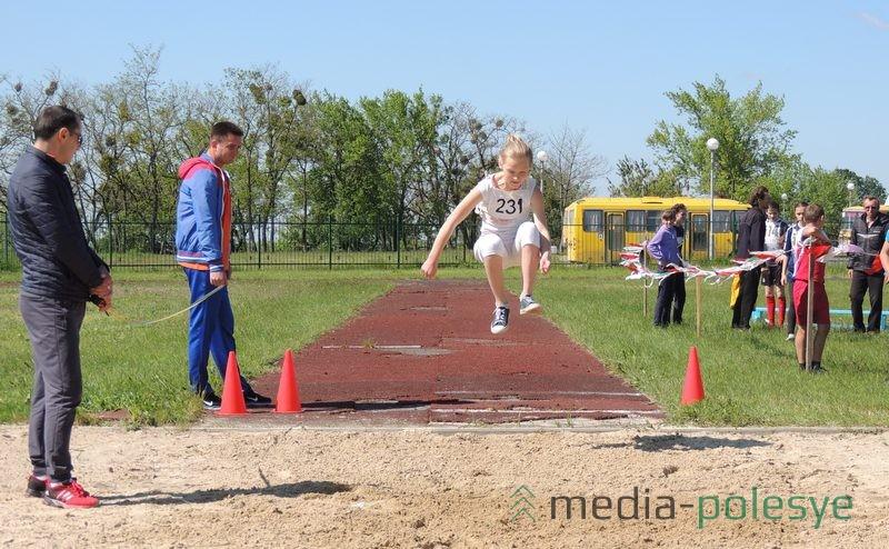 Соревнования по прыжкам в длину
