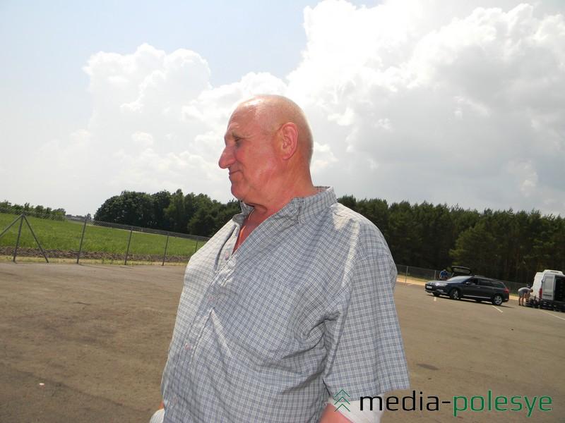 Пенсионер из Лунинца заплатил полтора миллиона за воду. Мужчина усердно поливал свой огород с клубникой. После такой суммы решил, что вода стоит дороже ягоды, и забросил своё дело