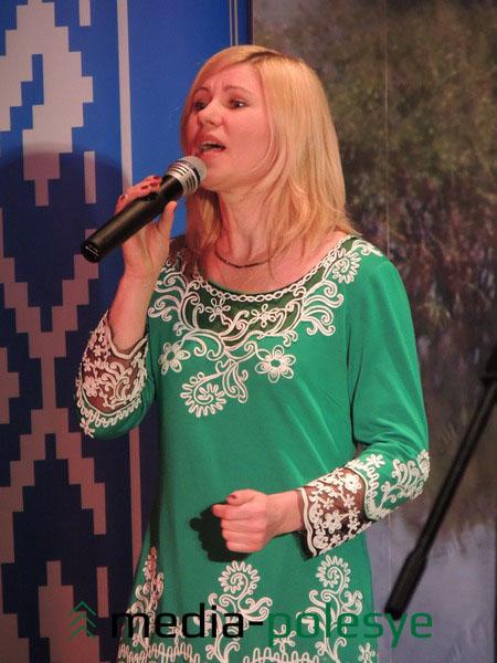Поёт Светлана Божко