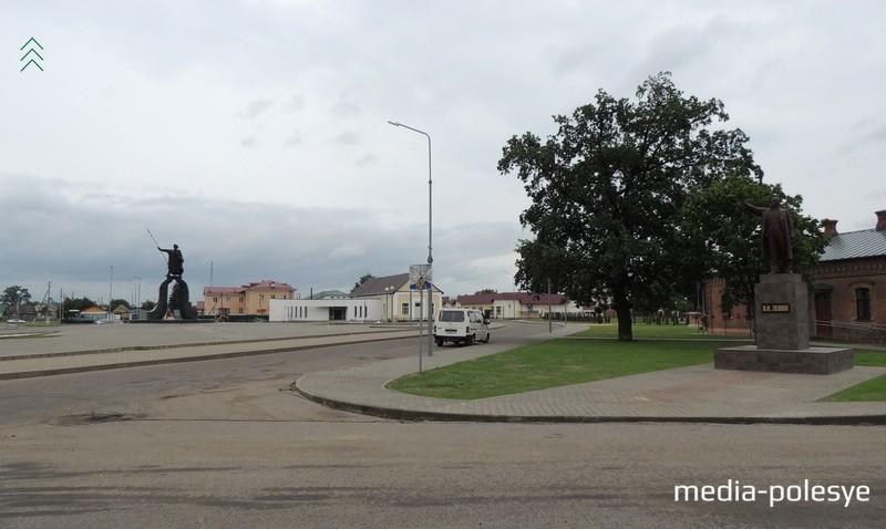 Теперь памятник Ленину в Давид-Городке размещается возле бывшего здания Центра детского творчества и музея