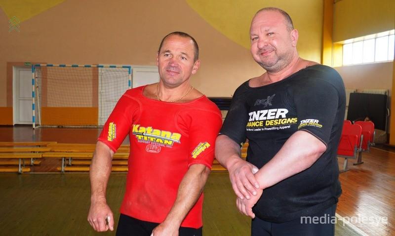 Евгений Морозов и Анатолий Марковиченко (справа)