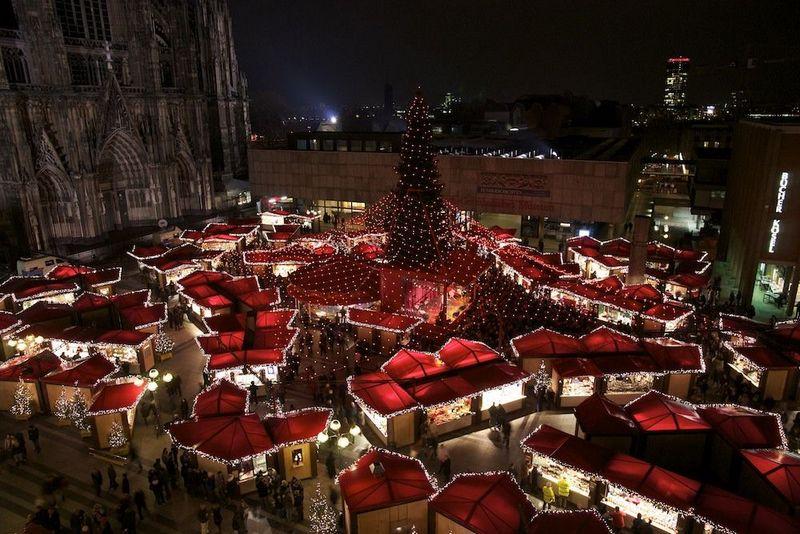 Ярмарка в Кёльне, фото с holidaygid.ru