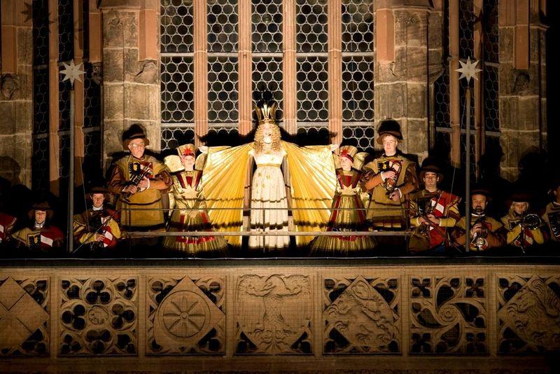 Ангел Кристкинд, открывающий ярмарку, фото с holidaygid.ru