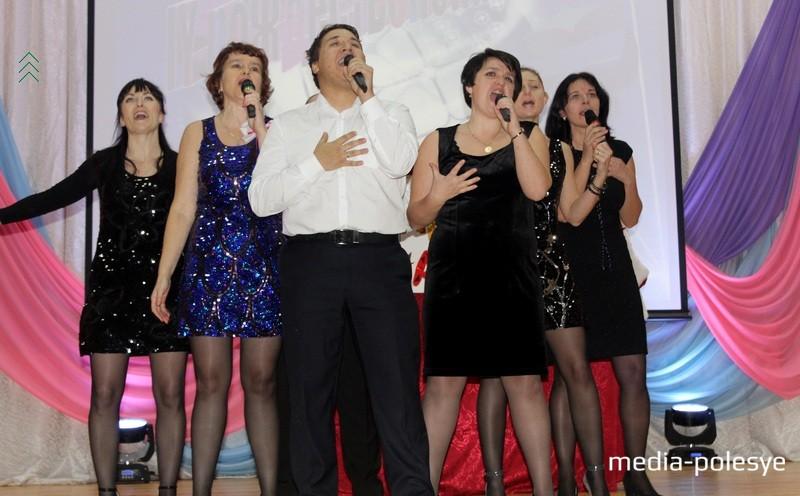 Команда «Камеди класс» не только шутила, но и танцевала, и пела