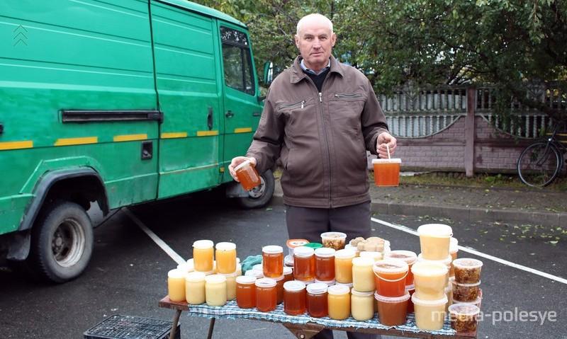 Пчеловод Николай Кравцов