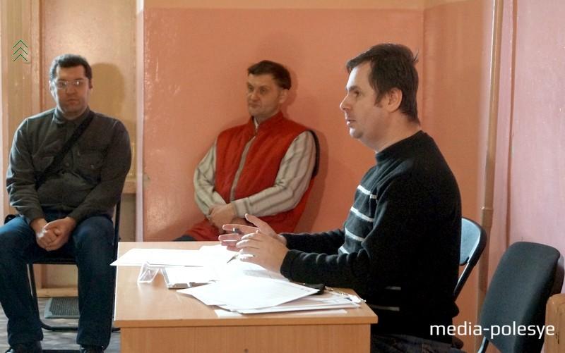 Организатор встречи Василий Гришко:  надо общаться и выработать общий взгляд на тему
