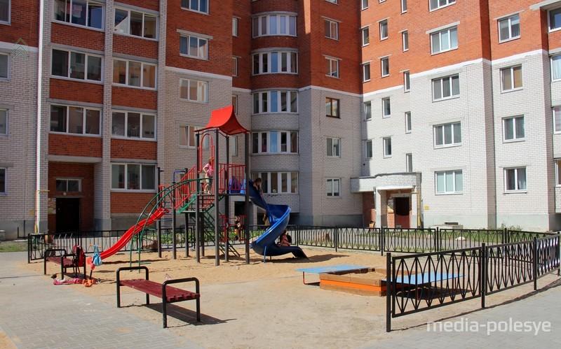 Детская площадка за счёт застройщика