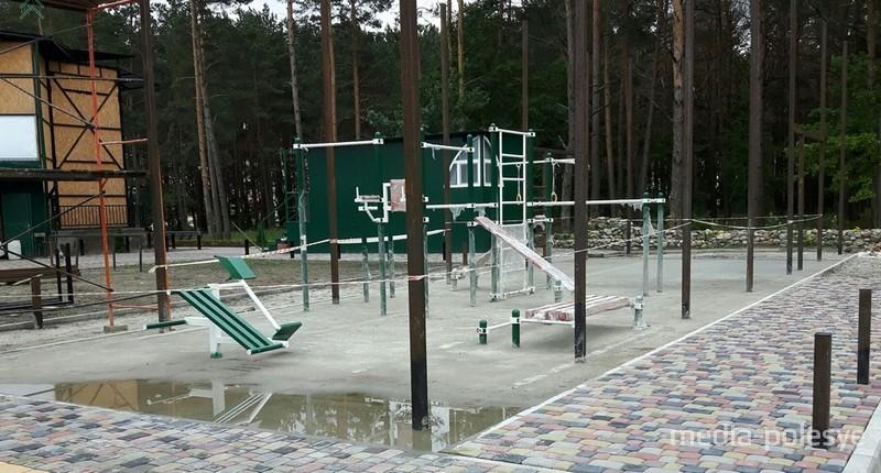 «Православную» воркаут-площадку строят в Пинске на пожертвования прихожан