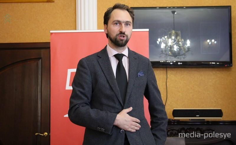 Томаш Адамски