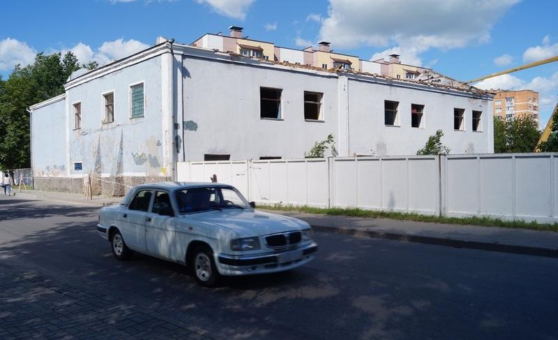 Летом 2017 года здание начали сносить