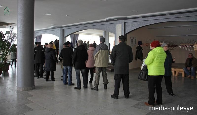 Очередь из российских избирателей