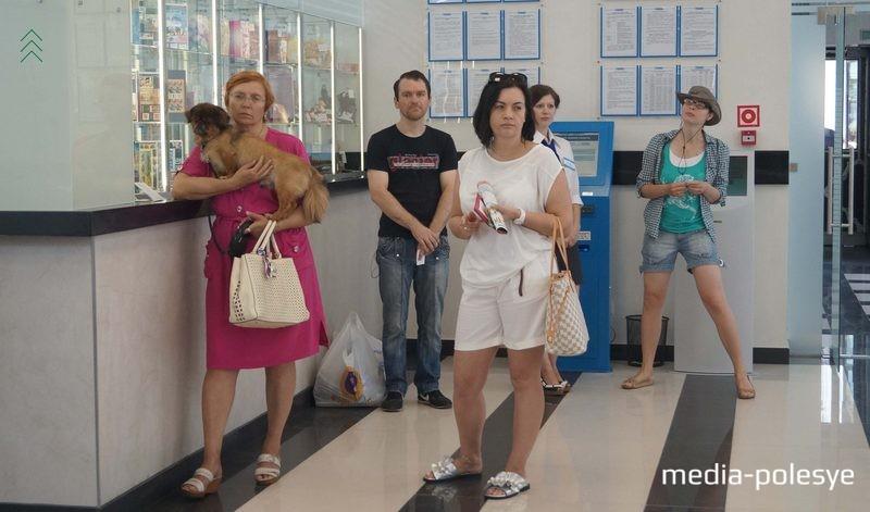 Клиенты приходят на почту с домашними питомцами
