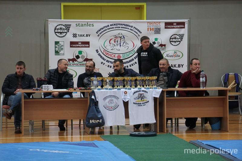 Организаторы и спонсоры соревнований