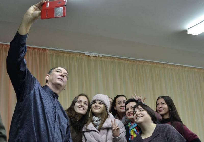 Селфи с пинскими пианистами, фото Pinsk Info USA