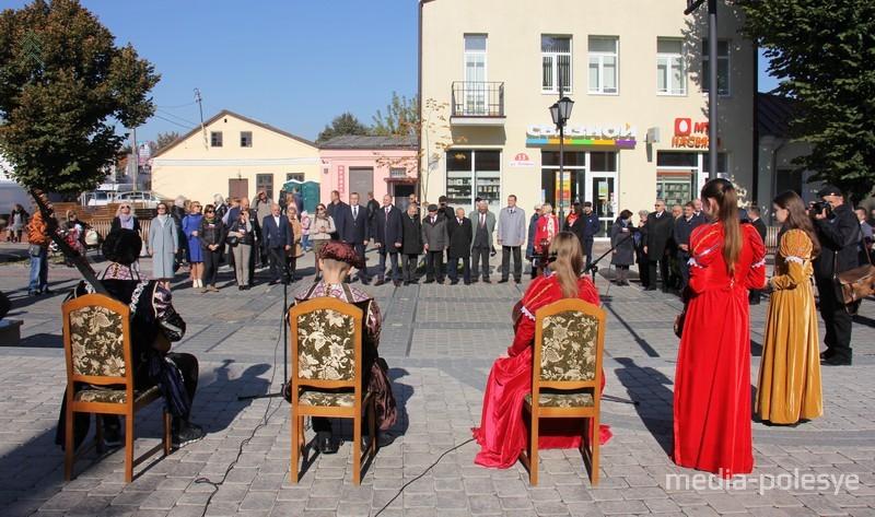В Пинске официально открыли пешеходную улицу