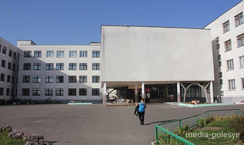 Под руководством Фёдора Радиона школа неоднократно занимала призовые места в профессиональных конкурсах