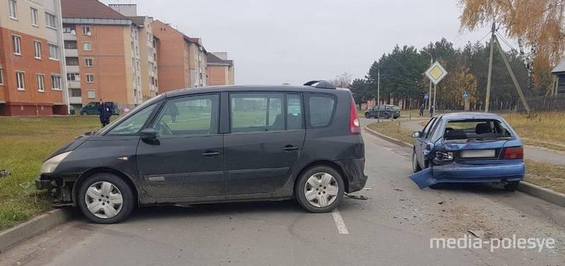 Пьяный бесправник в Лунинце «догнал» попутный автомобиль, вышел из машины и сбежал