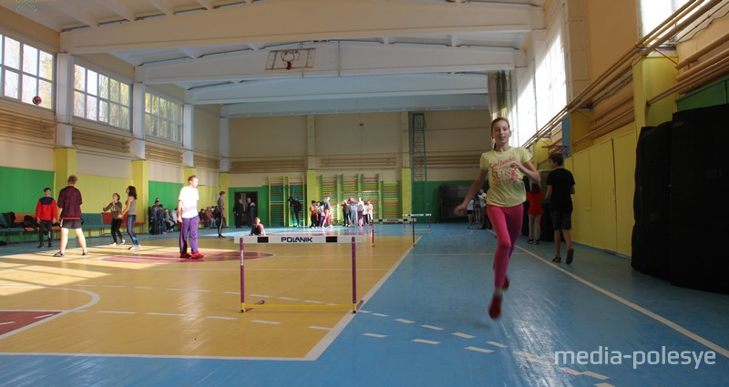 В период ремонта воспитанники спортшколы занимались на улице или в спортзалах учреждений образования города