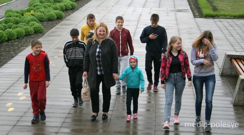 Семья Манойленко во главе с родителем-воспитателем Ольгой Григорьевной
