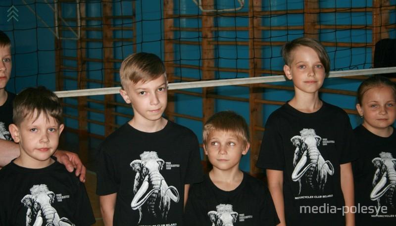 Ребята из детского дома семейного типа Марины и Леонида Ильючик