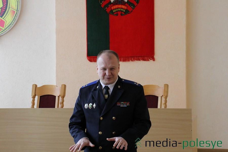 Начальник УСК по Брестской области Александр Рахманов - с праздничными пожеланиями женщинам