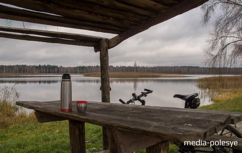 Привал у озера в д.Гоцк