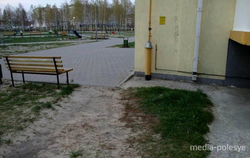 В Микашевичах 5-летний ребёнок выпал с балкона 8 этажа