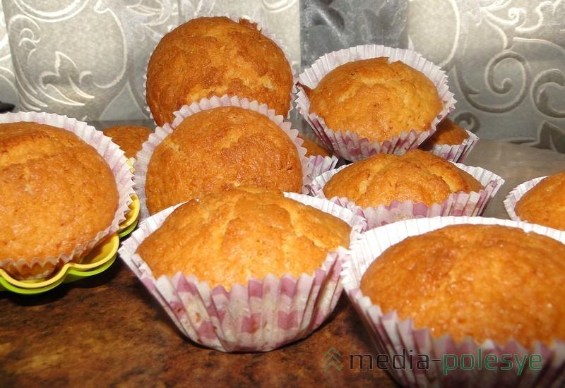 Выход - 12 форм для кексов