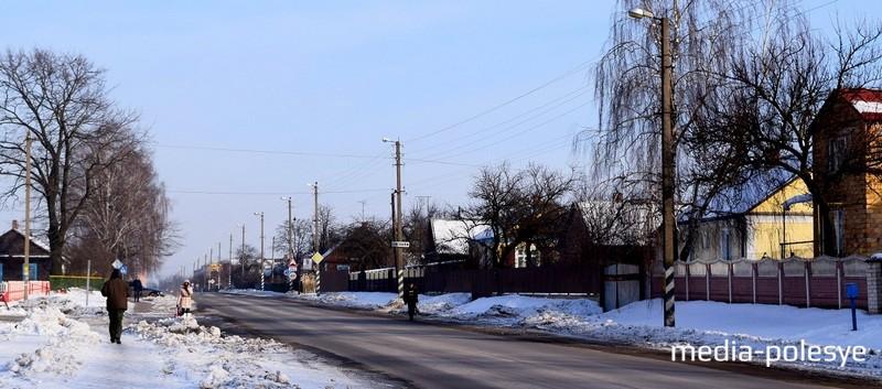 И в наши дни через Пинковичи проходит важный «тракт», дорога на Лунинец