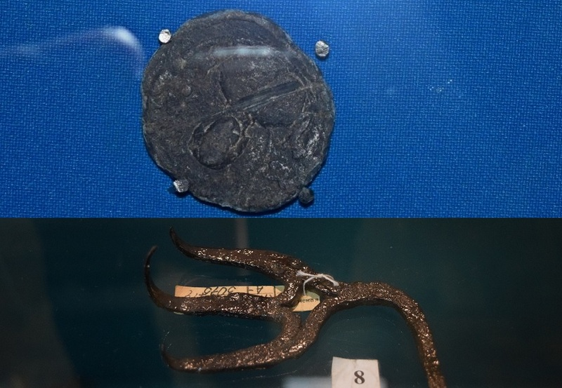 Печать князя Изяслава Ярославовича, вилка викингов XII века в пинском музее
