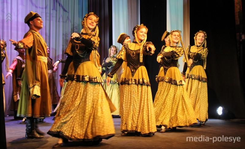 Танец «Полонез»