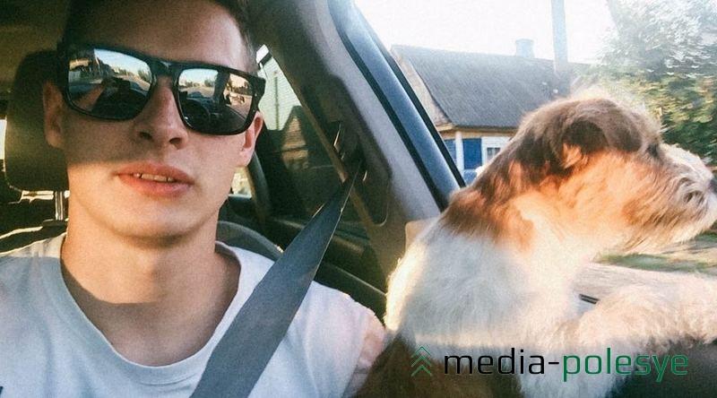 Максим говорит, что его собака, помимо прочего, очень умная