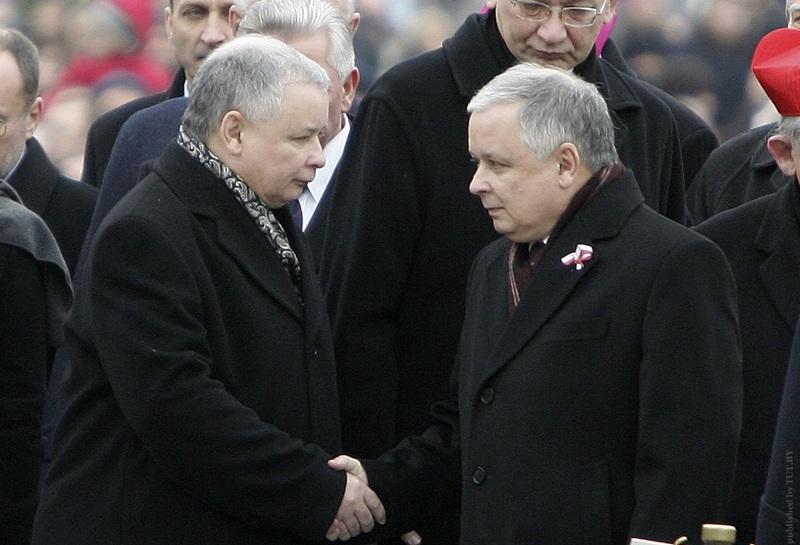 Лех Качиньски и Ярослав Качиньски. Фото: Reuters