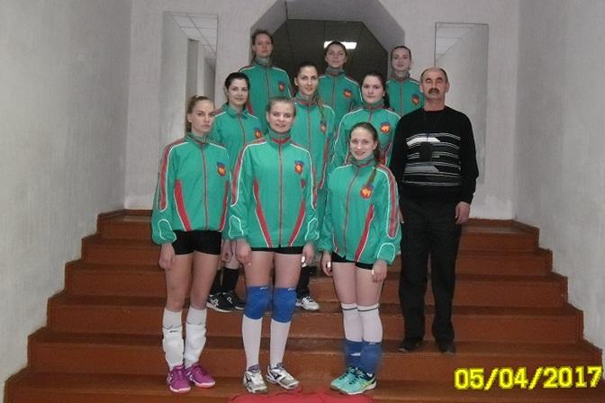 Александр Миронович и его воспитанницы