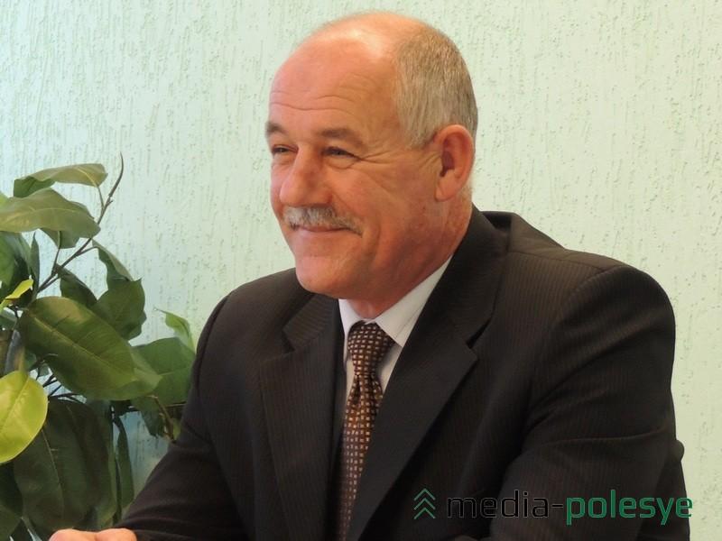Анатолий Яхновец не пропускает встречи в РОВД, которые здесь организуют для ветеранов органов внутренних дел