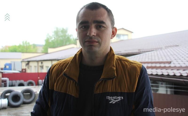 Эдуард Литвин, представитель транспортной фирмы со  Столинщины
