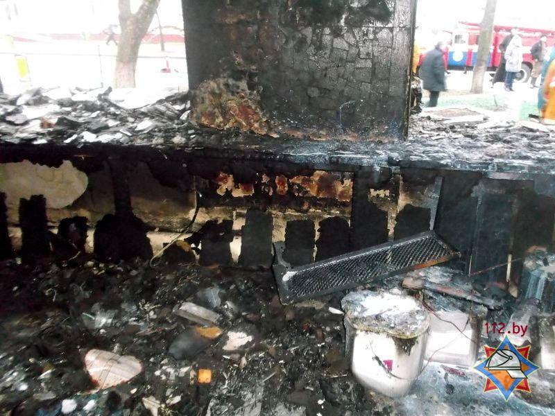 Огонь уничтожил товары в торговом зале