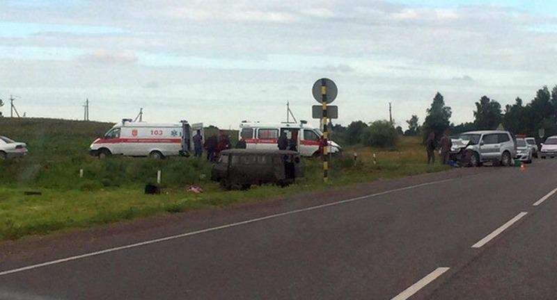 В Пинском районе столкнулись внедорожник и УАЗ
