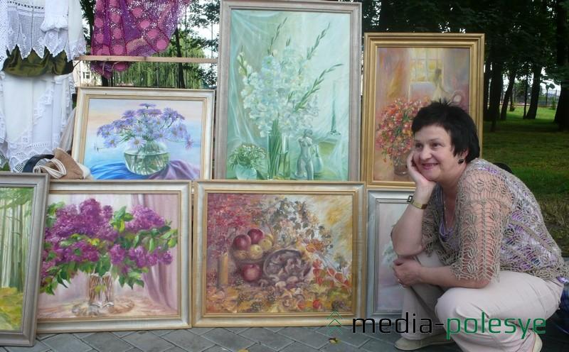 Художница Валентина Тихон, которая передала в музей уникальный экспонат