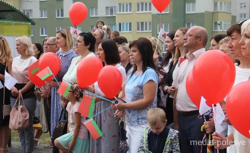 На открытии детского сада присутствовали педагоги соседней СШ №10