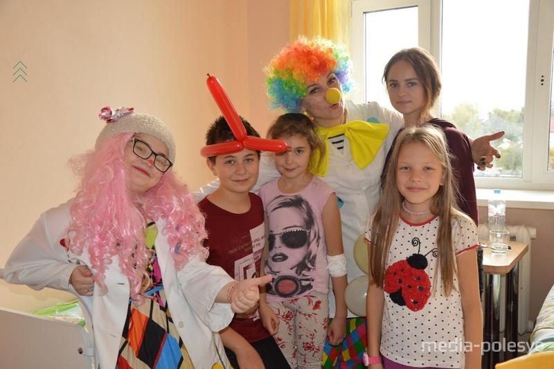 «Больничный клоун» - один из самых необычных проектов волонтёров