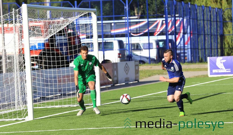 Дмитрий Осипенко атакует