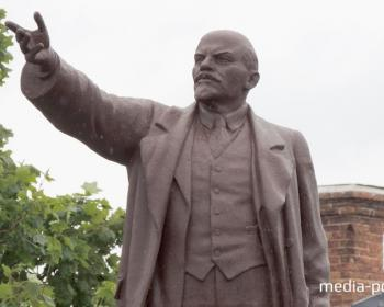 Тест: кто оборонял Зимний дворец, когда умер Ленин и кто на него покушался?