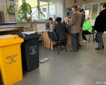 В Могилеве всем жителям частного сектора выдают контейнеры для мусора. Такого в Беларуси больше нет