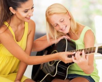 5 советов, как выбрать гитару для начинающего музыканта