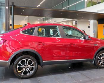 Почти X6? Во что обойдётся покупателю новый купе-кроссовер от Renault, и что он получит за свои деньги?