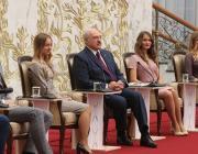 Лукашенко хочет наделить БРСМ властными полномочиями